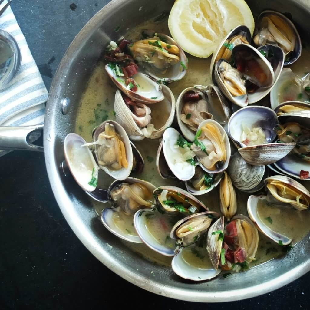 Fresh Clams with Garlic, Lemon + Vinho Verde